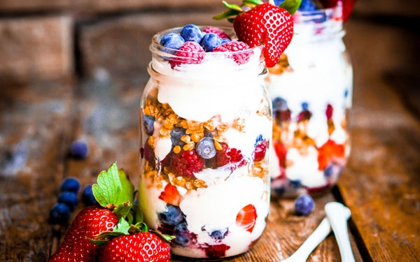 july 4 tooth healthy parfait featured 600x375